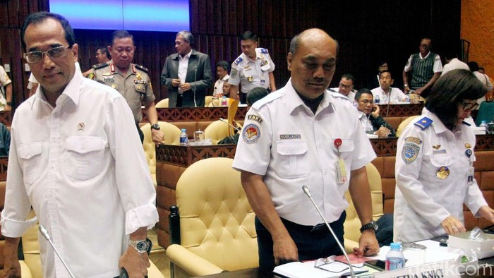 Kepala KNKT Soerjanto Tjahjono (tengah). (Lamhot Aritonang/detikcom)