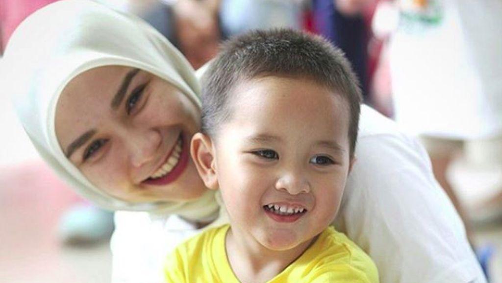 Lucunya Aksi Bhai Kaba Saat Belajar Menghafal Rukun Islam