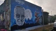 Mural Penghormatan Stan Lee Bersama Spider-Man dan Doctor Doom