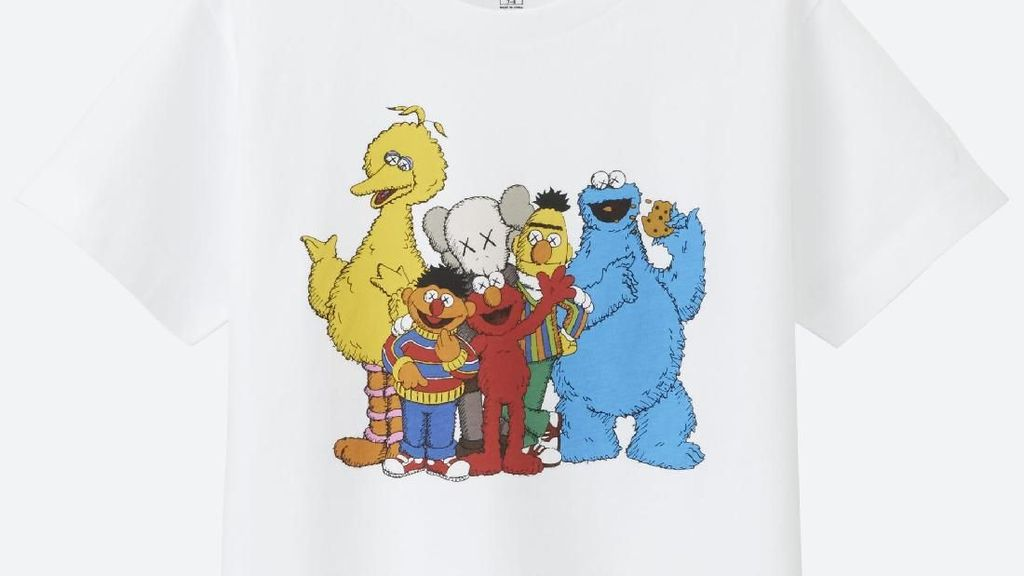 Banyak Jadi Incaran, Uniqlo Rilis Lagi Koleksi Kaws x Sesame Street Hari Ini