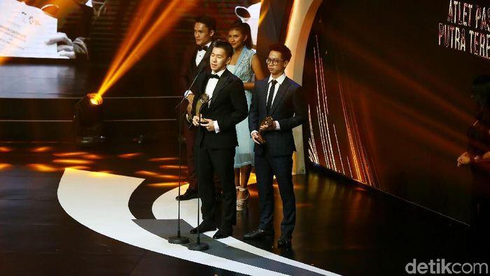 Kevin Sanjaya/Marcus Fernaldi Gideon memenangi penghargaan Indonesian Sports Award (Muhammad Ridho/detikSport)