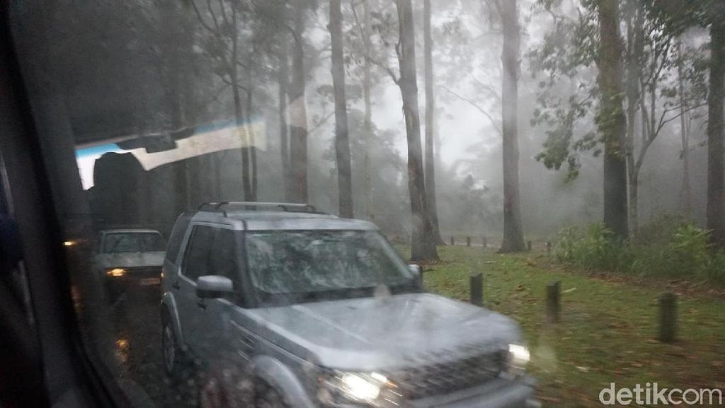 Momen Menegangkan! Saat Terjebak Badai di Pegunungan Australia