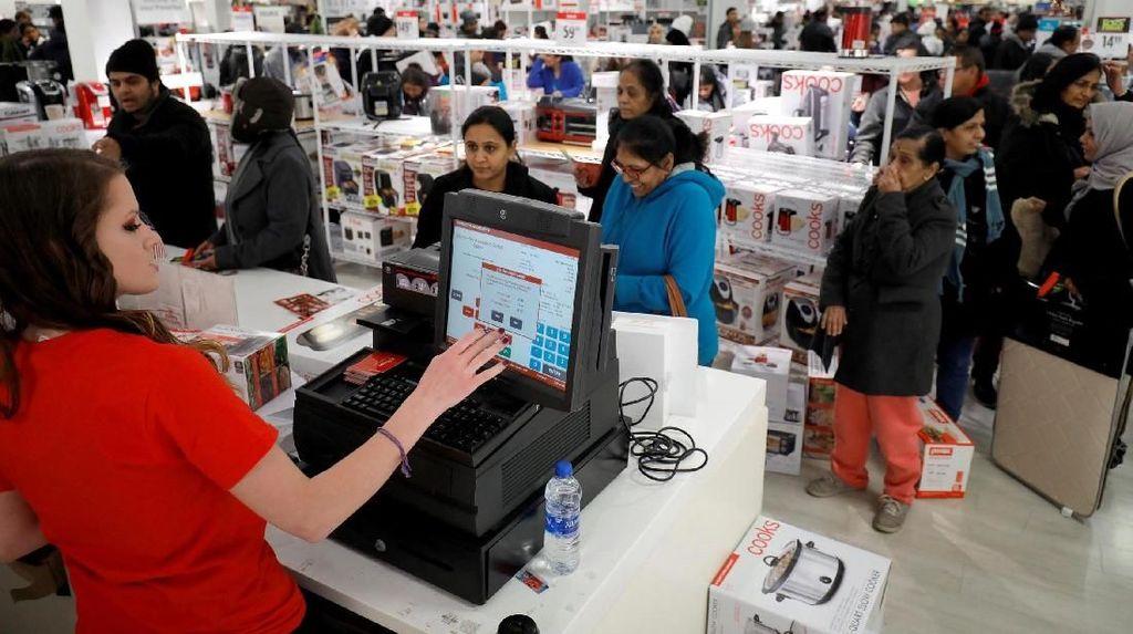 Pengusaha Ramal Masyarakat Kurangi Belanja saat Lebaran, Kenapa?