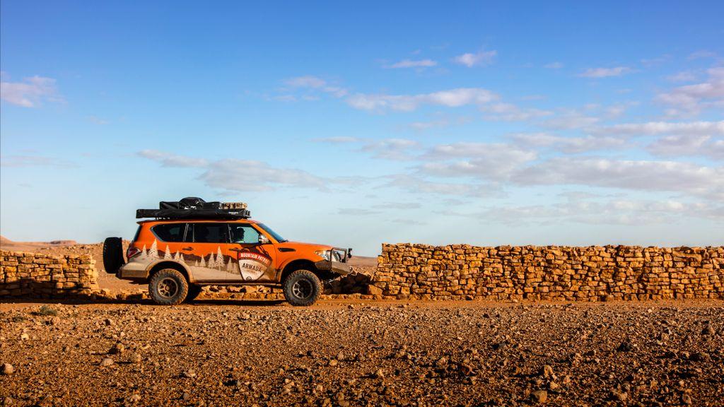 Menaklukkan Gurun Sahara dengan Mobil Nissan