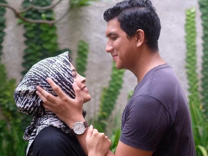 Tantri dan suaminya Hatna Danarda. Foto: Instagram