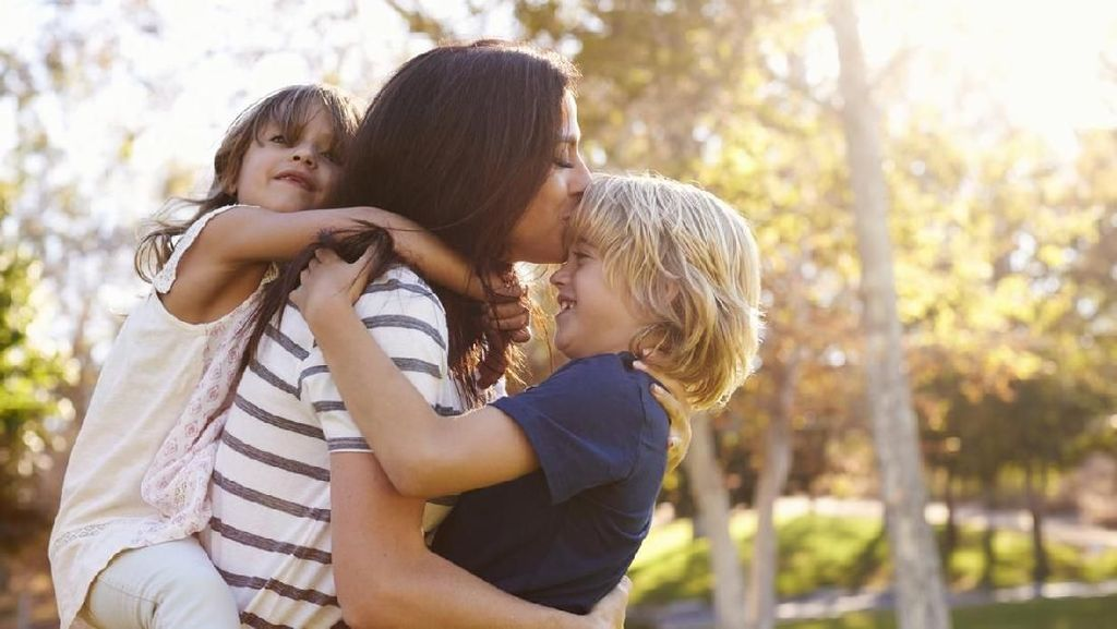 Lanjutkan Hidup Saat Harus Jadi Single Mother