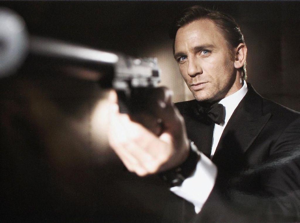 Klasik Banget! Teaser Perdana Bond 25
