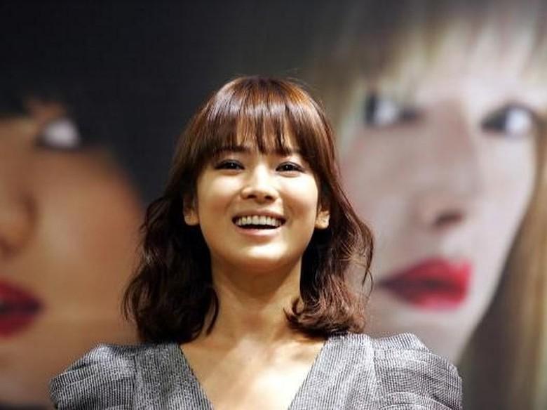 Cie... Song Hye Kyo Dapat Dukungan Ayah Mertua Buat Drama Encounter