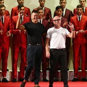 Dolce & Gabbana Jadi Kontroversi Lagi, Kini Tas Body Shamming Sebabnya