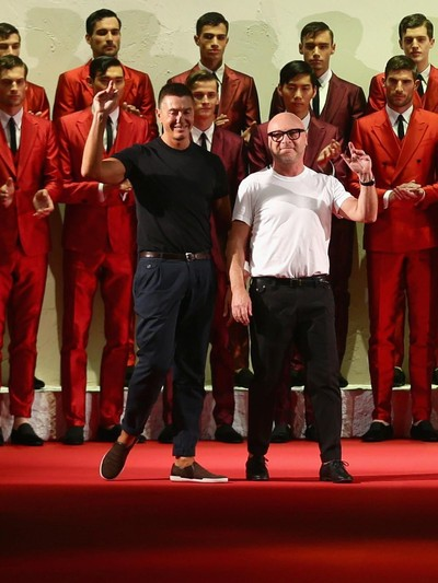 Duo desainer asal Italia, Domenico Dolce dan Stefano Gabbana. Foto: Getty Images