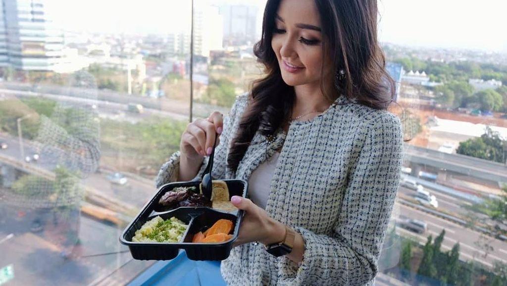 Bertubuh Langsing, Sonia Fergina Puteri Indonesia Selalu Makan Sehat