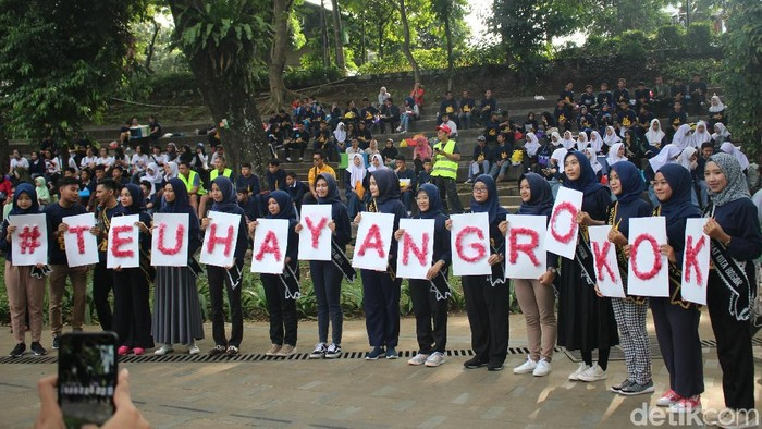 Deklarasi kawasan tanpa rokok di Lapangan Sempur Kota Bogor (Foto: Kirei/detikHealth)