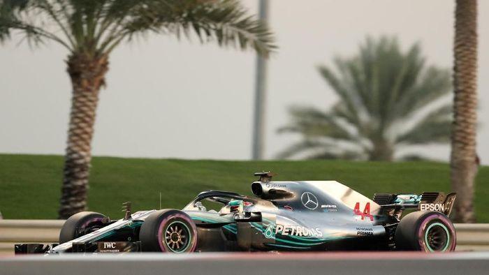 Lewis Hamilton raih pole GP Abu Dhabi 2018 (Ahmed Jadallah/REUTERS)