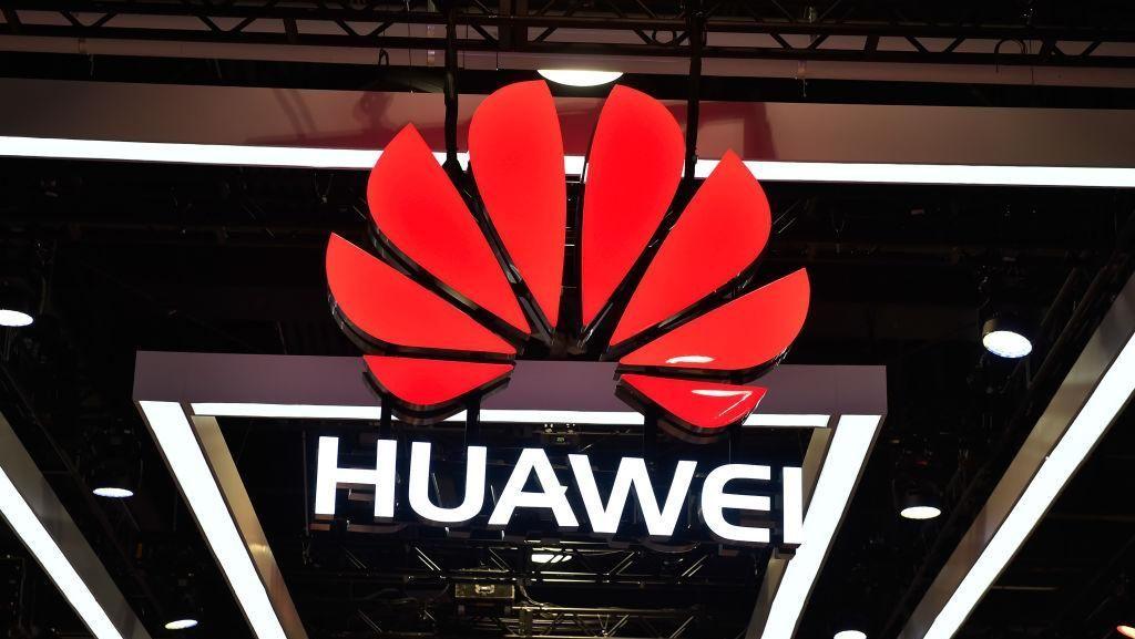 Pengamat: Google Habisi Ambisi Huawei untuk Salip Samsung