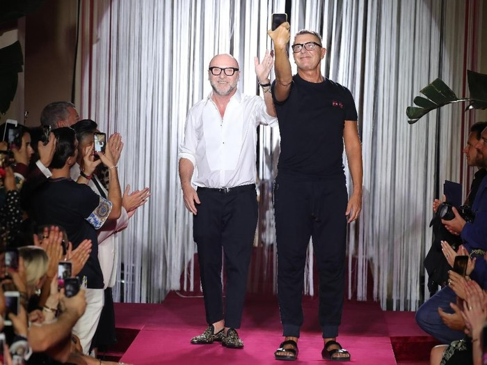 Stefano Gabbana dan Domenico Dolce, pendiri sekaligus desainer Dolce & Gabbana. (Foto: Getty Images)