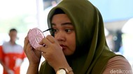 Bazar Kosmetik Ala BPOM Diserbu Para Wanita di Pasar Asemka
