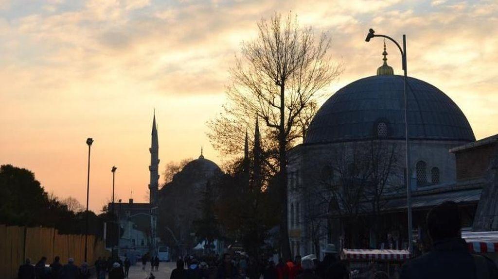 Menikmati Dinginnya Istanbul di Penghujung Desember