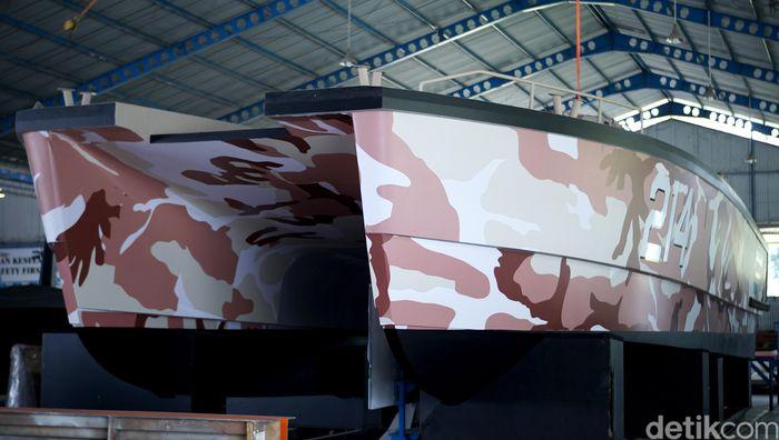 PT Lundin Industry Invest, PT Pindad (Persero) dan CMI Defence mengembangkan jenis kapal tempur atau tank boat dengan nama Antasena. Prototipe tank boat ini terparkir di Lundin, Banyuwangi.