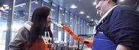 Canggih! Tangan Robot Ini Bisa Suapi Makanan Secara Otomatis