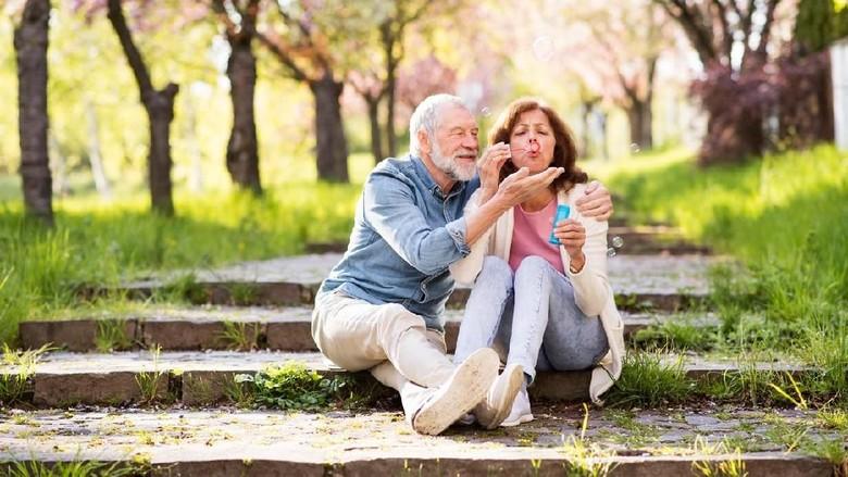 4 Hal yang Perlu Diketahui Jika Usia Suami-Istri Terpaut Jauh /Foto: iStock