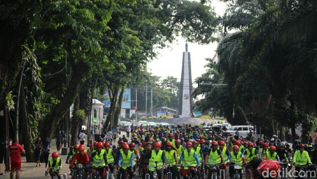 Bersepeda di Kota Hujan, Siapa Takut?