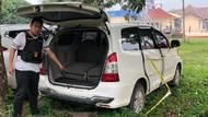 Foto: Bercak Darah di Mobil Dufi Korban Pembunuhan Sadis