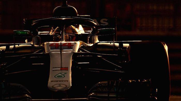 Lewis Hamilton juara GP Abu Dhabi. (Foto: Clive Mason/Getty Images)