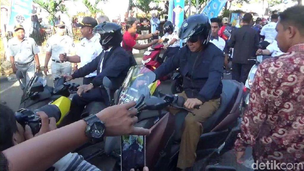 Pakai Skutik Bongsor, Gubernur Sulsel Kampanye Berkendara Aman