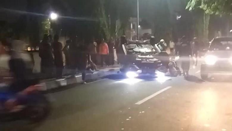 Kecelakaan Tunggal Mobil Terjadi di Cempaka Putih