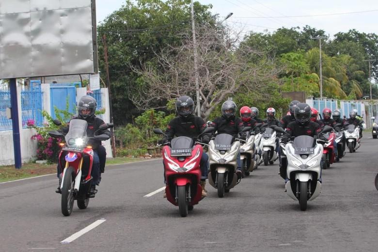 PCX Digeber 1.400 Km Lintasi Keindahan Alam Indonesia Timur. Foto: Dok. AHM