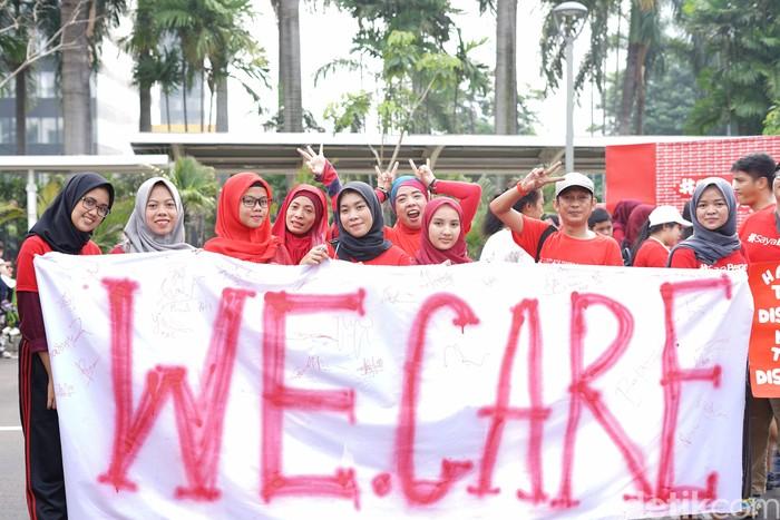 Acara peringatan Hari AIDS sedunia dilaksanakan di area Car Free Day Jl Jendral Sudirman, Jakarta Selatan. (Ayunda/detikHealth)