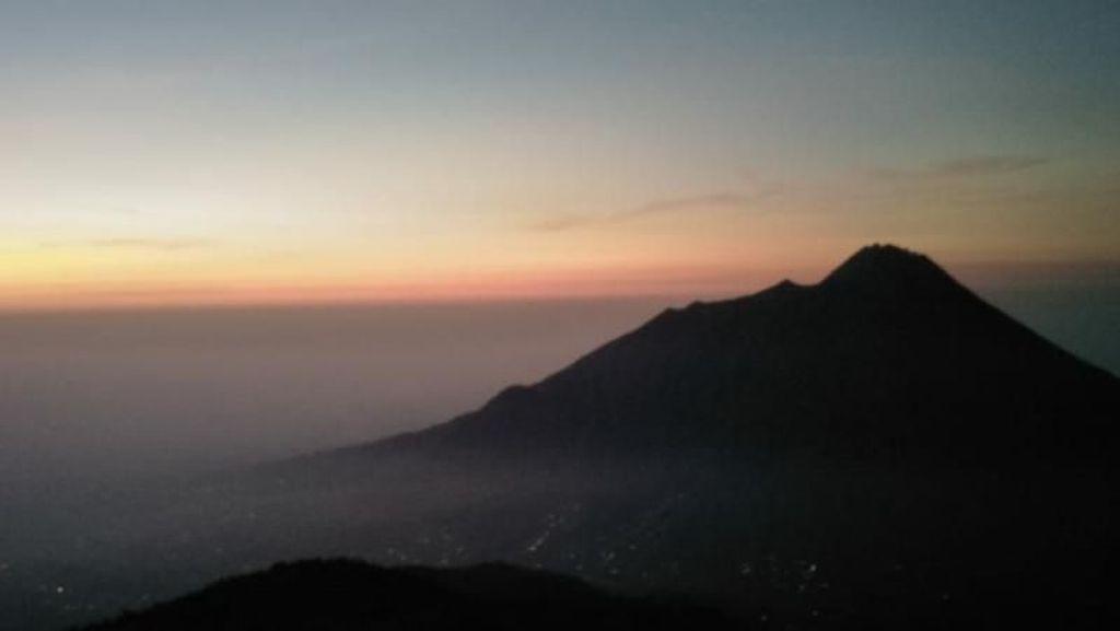 Jalur Pendakian Gunung Merbabu Dibuka Lagi Mulai Besok