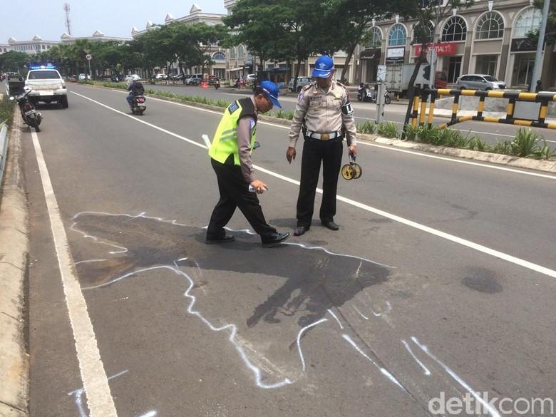TKP kecelakaan santri penumpang pikap di Cipondoh. Foto: Roland/detikcom