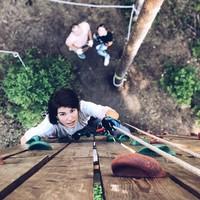 Pekerjaanya sebagai stuntgirl, juga membuat ia gemar mencoba hal-hal ekstrem! (oks_voevodina/Instagram)