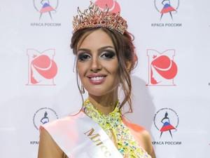 7 Fakta Oksana Voevodina, Ratu Kecantikan Rusia yang Dinikahi Raja Malaysia