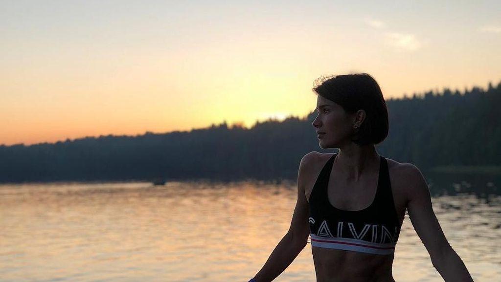 Foto: Liburannya Oksana Voevodina, Stuntgirl Cantik Rusia