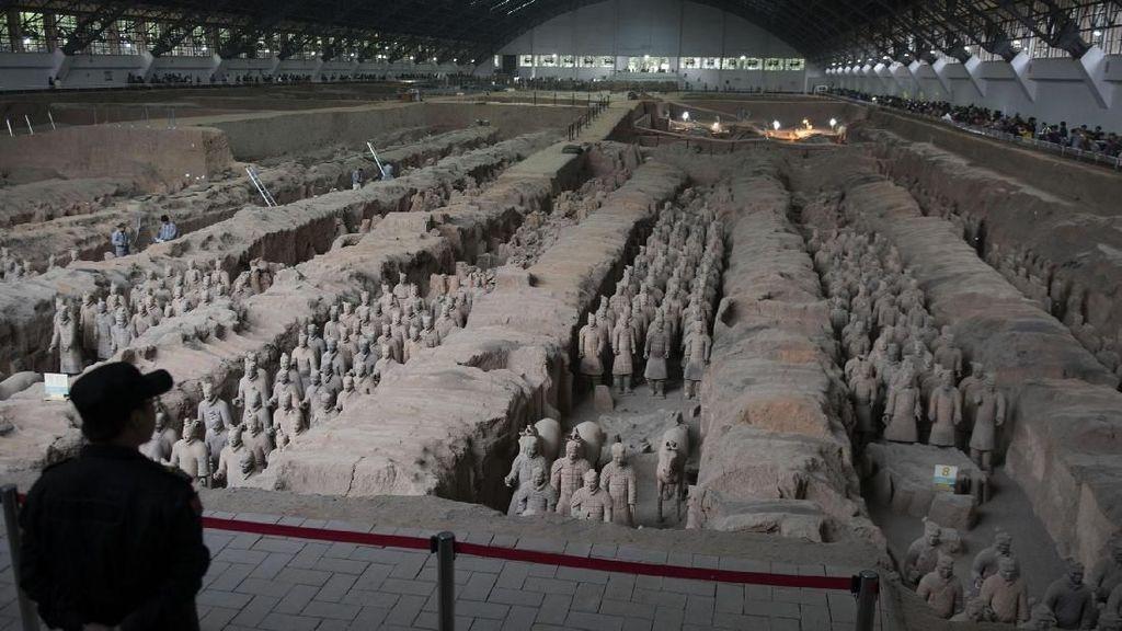 Patung Terakota China dan Legenda Hidup Abadi