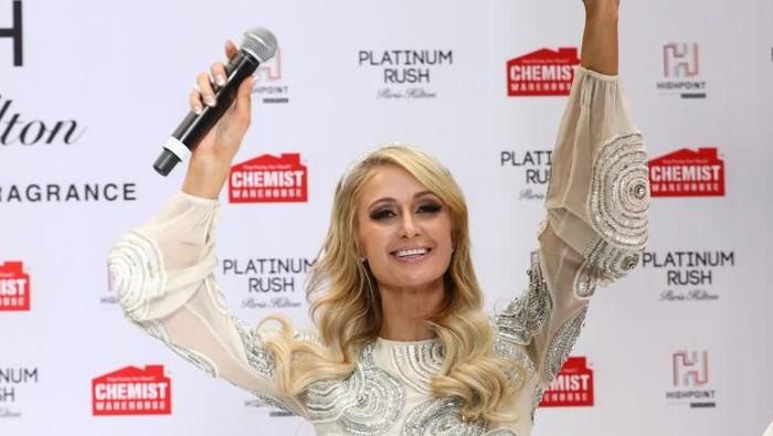 Paris Hilton menghadiri peluncuran parfum terbarunya di Melbourne, Australia. Foto: Getty Images