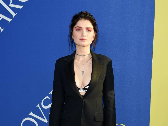 NEW YORK, NY - JUNE 04:  Eve Hewson attends the 2018 CFDA Fashion Awards at Brooklyn Museum on June 4, 2018 in New York City.  (Photo by Dimitrios Kambouris/Getty Images)