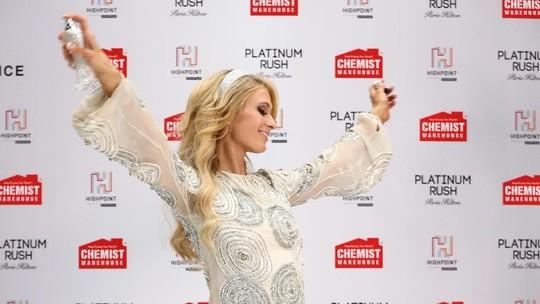 Diboikot Jurnalis karena Terlambat 30 Menit, Paris Hilton Minta Maaf