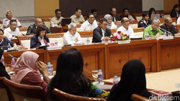 Menag bersama Komisi VIII DPR RI gelar rapat membahas evaluasi laporan penyelenggaran haji 2018