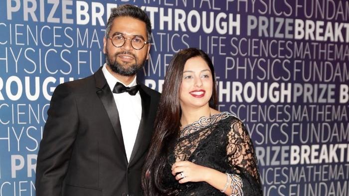 Neeraj Arora bersama istrinya. Foto: Getty Images/Miikka Skaffari