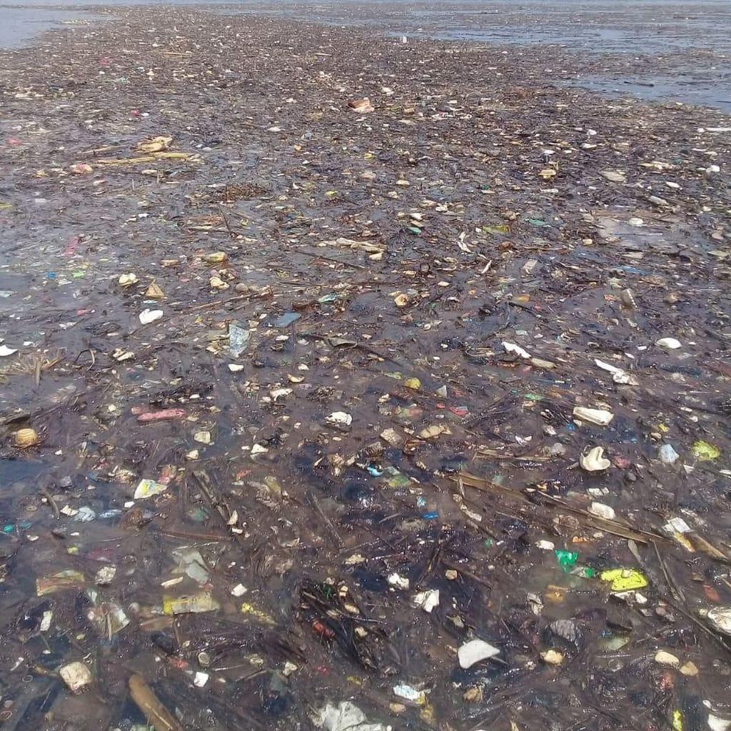 Dukung Pergub Larangan Kantong Plastik, Walhi: Harus Diperluas