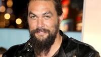 Jason terlihat sangat gagah dan macho dalam kesempatan tersebut. Tristan Fewings/Getty Images