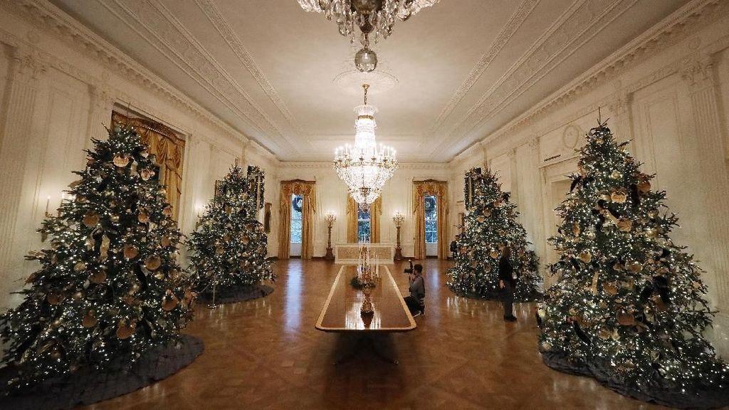 Penampakan Gedung Putih Bersolek Menyambut Natal
