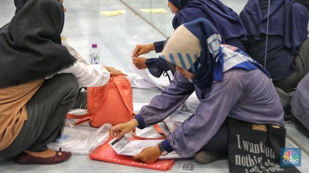 3 Kartu Meluncur, Jokowi Jadi Gaji Pengangguran di 2020?