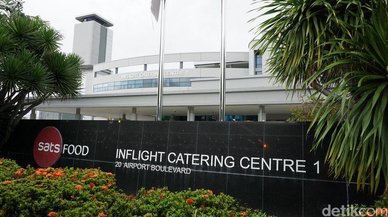 Nama tempatnya adalah SATS Food, Gedung Inflight Catering Centre 1. Lokasinya masih di kawasan Bandara Changi, tepatnya di 20 Airport Boulevard (Masaul/detikTravel)