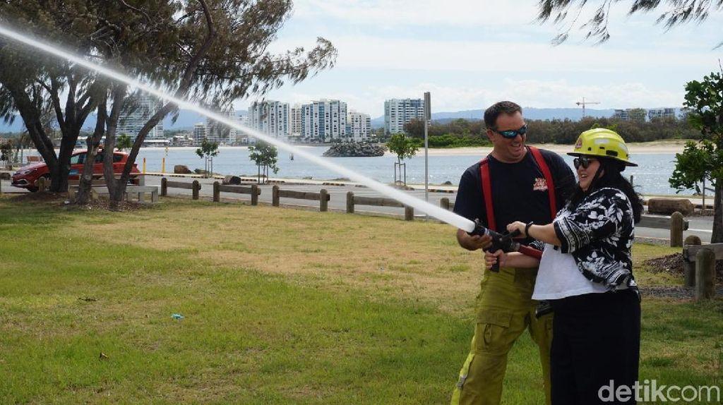 Wisata Unik di Australia, Jadi Pemadam Kebakaran