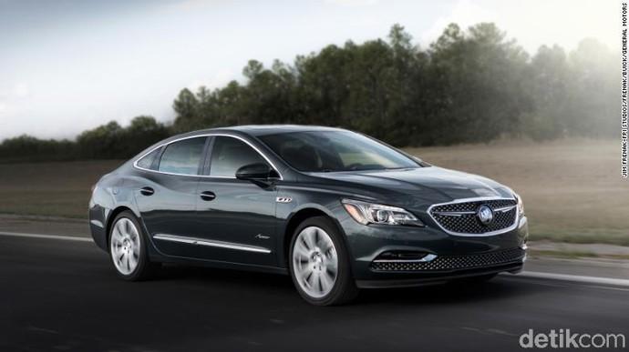 Sedan Buick LaCrosse. Selama periode Januari-September, mobil hanya terjual 13.409 unit turun 14,2 persen. Buick sendiri sekarang mulai beralih memproduksi mobil Crossover. Foto: CNN/General Motors
