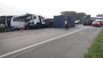 Tabrakan Bus-Truk-Mobil di Tol Tangerang, 9 Orang Terluka